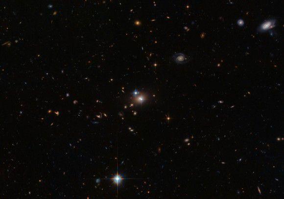 Оптическая иллюзия! «Парный квазар» от телескопа Хаббл