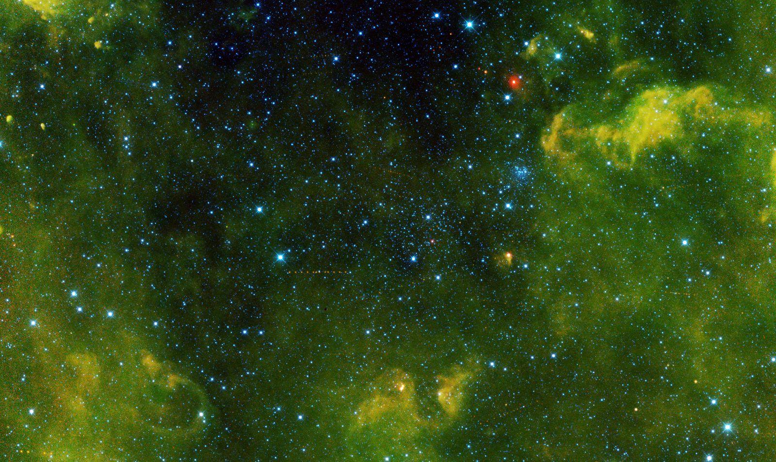 NEOWISE празднует окончание первого месяца работы после выхода из спячки