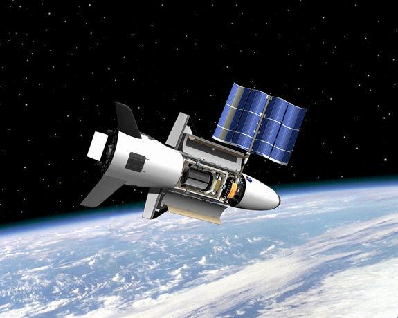 Загадочный аппарат X-37B провел на орбите больше 400 дней