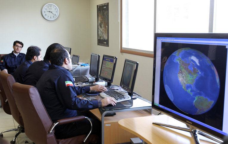 Иран представил два новых коммуникационных спутника