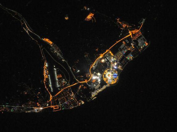 Космонавту МКС удалось сделать снимок Олимпийского Парка в Сочи ночью