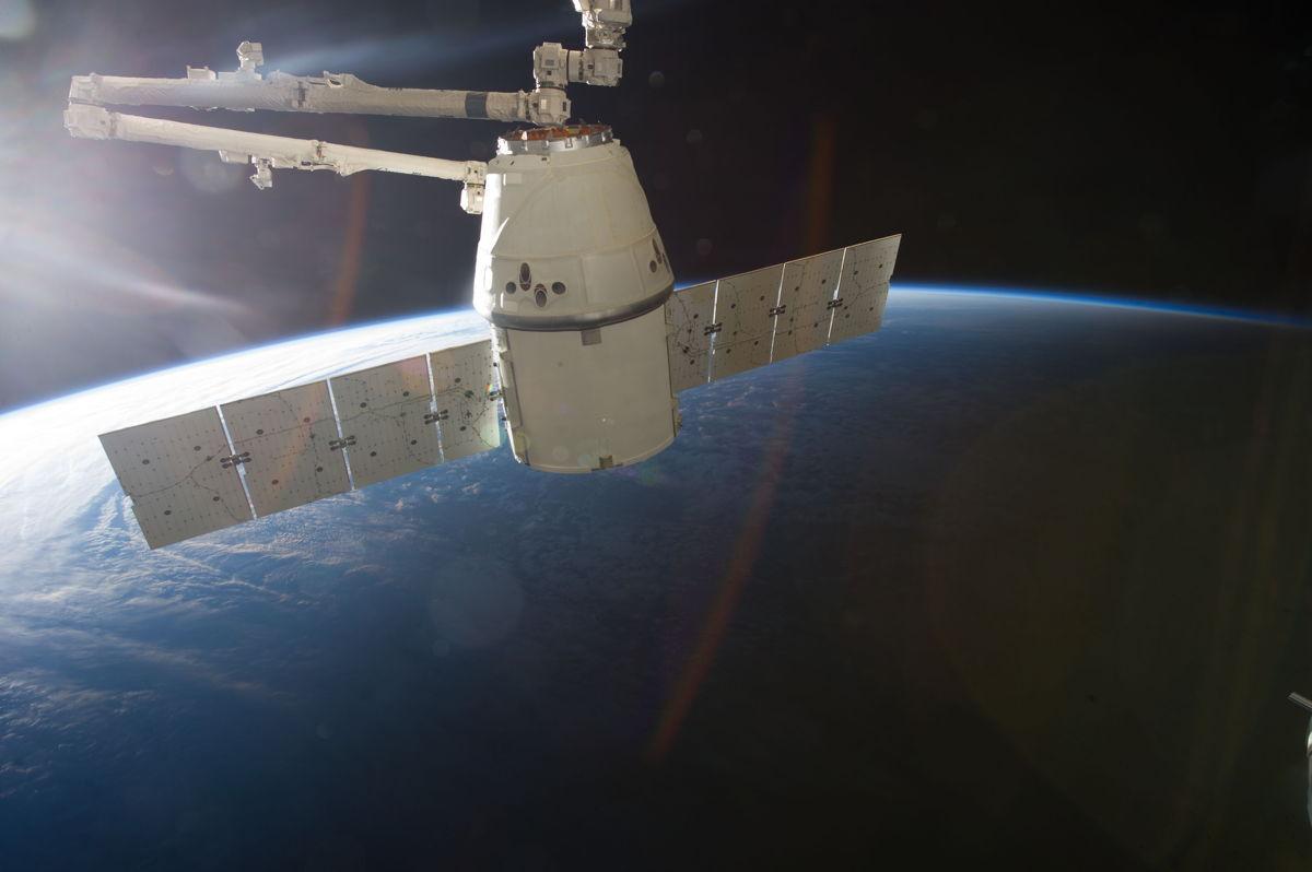 Запуск космического грузовика Dragoon  к МКС запланирован  на 16 марта