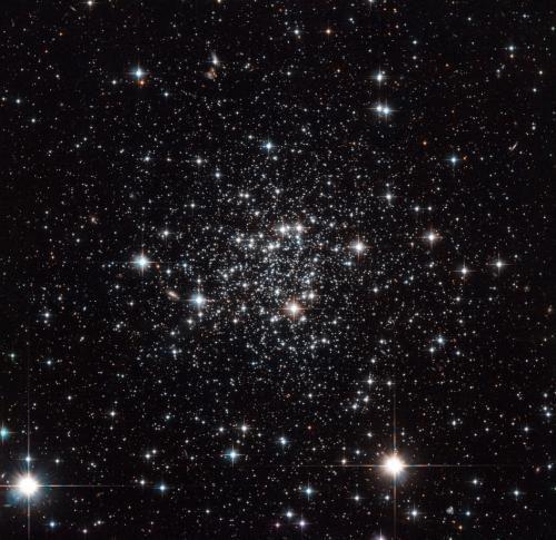 Телескоп Hubble вглядывается в скопление Terzan 7