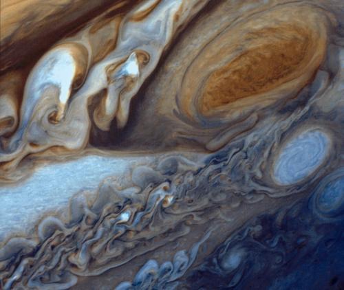 Большое Красное Пятно Юпитера глазами Voyager 1