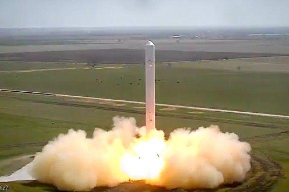 SpaceX проводит для своей новой ракеты