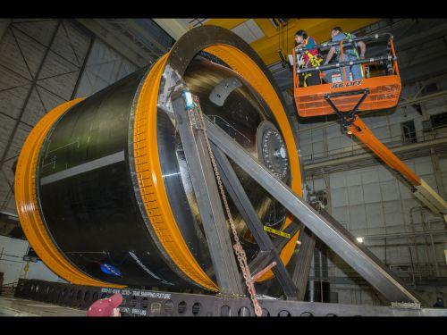 Инженеры NASA готовят к испытаниям инновационный топливный бак