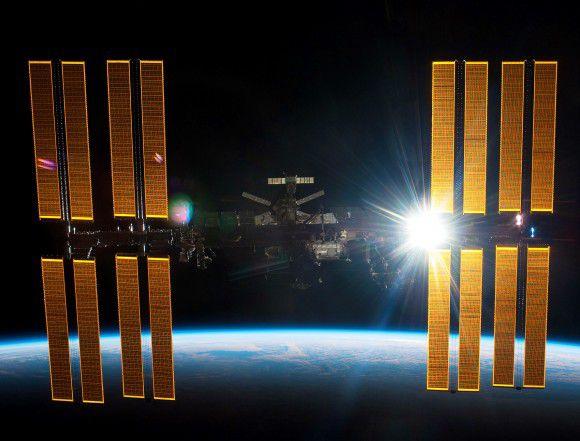 Возникли неполадки с резервным компьютером на МКС, экипаж в безопасности