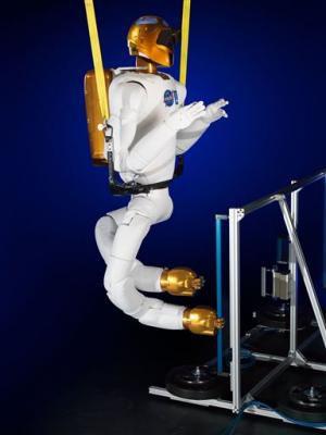 Robonaut 2 в ближайшее время сможет передвигаться по космической станции