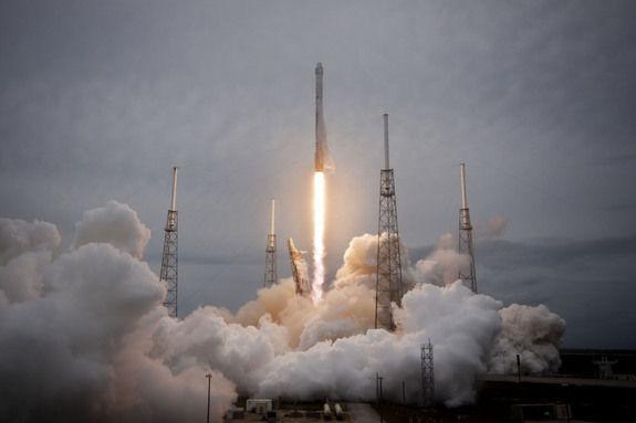 Первые испытания ракеты многоразового использования Falcon 9 прошли успешно