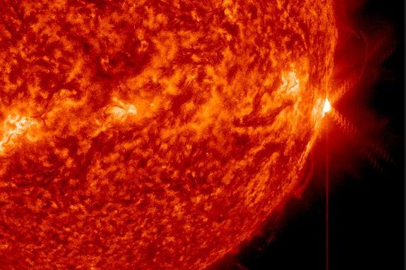 Вспышка Х-класса на Солнце вызвала помехи радиосвязи на Земле 25 апреля