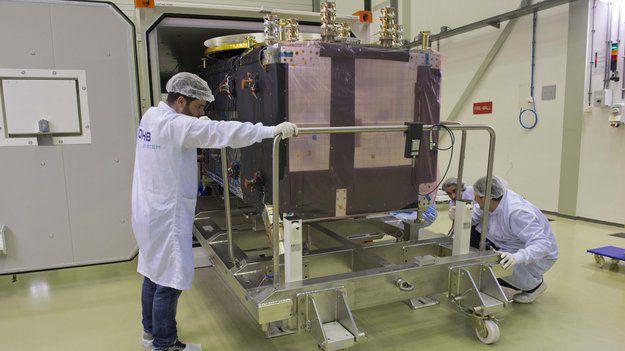 Последний спутник Galileo прибыл в Испытательный Центр в Нидерландах