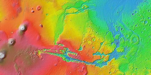Против течения: возможно, каньоны на Марсе - результат воздействия потоков лавы