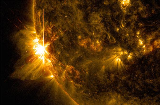 На Солнце во вторник произошли две вспышки