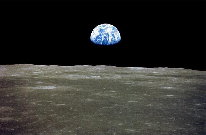 Билет до Луны стоит 150 миллионов долларов. Есть желающие?