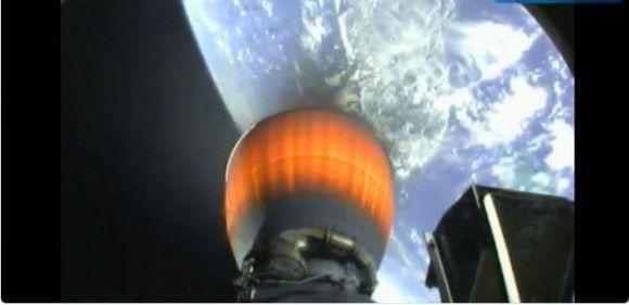 Компания SpaceX  в понедельник вывела на орбиту шесть спутников связи
