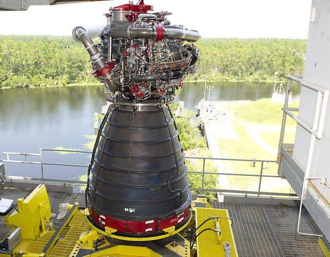 NASA приступает к испытаниям двигателей ракеты Space Launch System