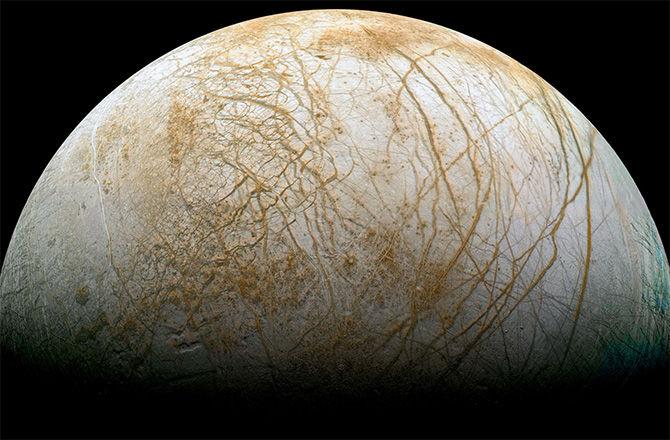NASA объявило о начале отбора предложений приборов для миссии на Европу