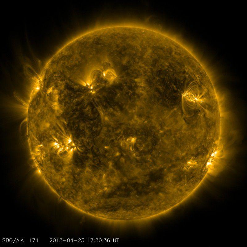 Нановспышки – причина высокой температуры солнечной короны