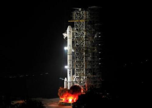 Китай собирается отправить космический аппарат на Луну и обратно