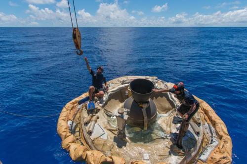 Фото: систему LDSD «выуживают» из воды