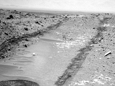 Марсоход Curiosity в четвертый раз готовится к проведению бурильных работ