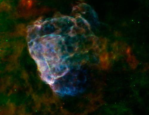 Ученые исследуют останки сверхновой в двух диапазонах