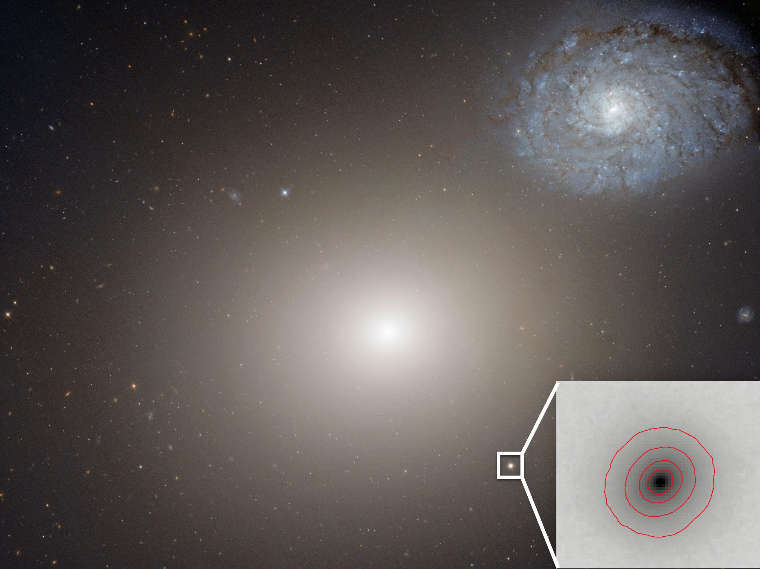 Хаббл помог обнаружить самую маленькую галактику со сверхмассивной черной дырой