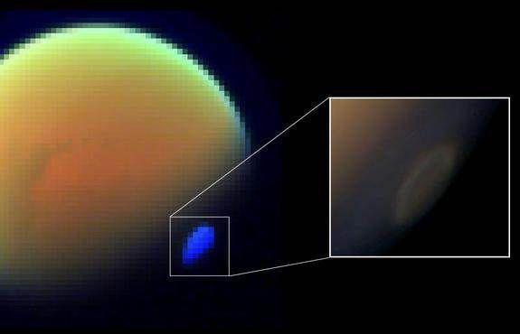 В атмосфере Титана обнаружен ледяной цианистый водород
