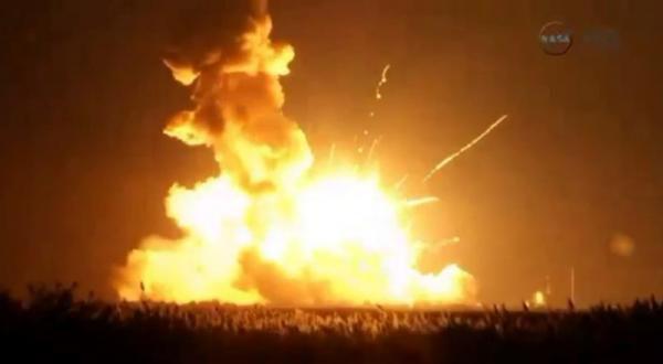 Ракета-носитель Antares с грузом для МКС взорвалась на взлете