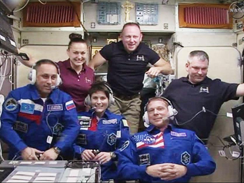 Новый экипаж прибыл на МКС