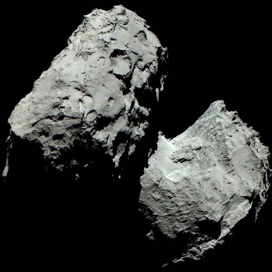 Камера Розетты видит комету в красочных оттенках серого