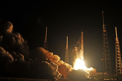 Компания SpaceX откладывает запуск метеорологического спутника