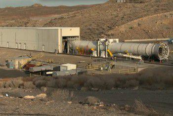 Сверхтяжелая ракета SLS получает твердотопливные двигатели Advanced Boosters