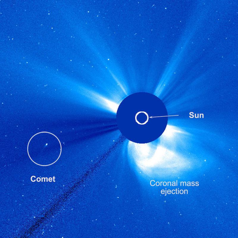 Обсерватория SOHO видит комету, пережившую близкий подход к Солнцу