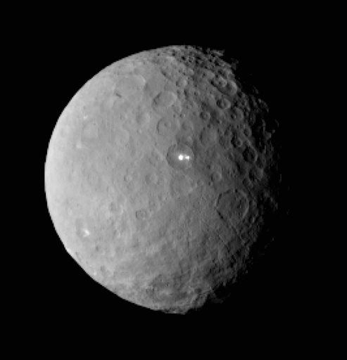 Привет, Церера! Космический аппарат НАСА впервые посетил карликовую планету