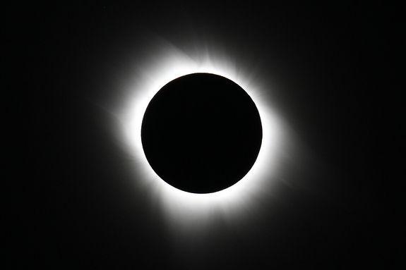 20 марта, в пятницу, произойдет полное солнечное затмение