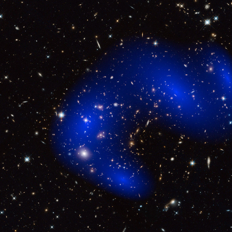 Темная материя оказалась «ещё темнее», чем предполагалось