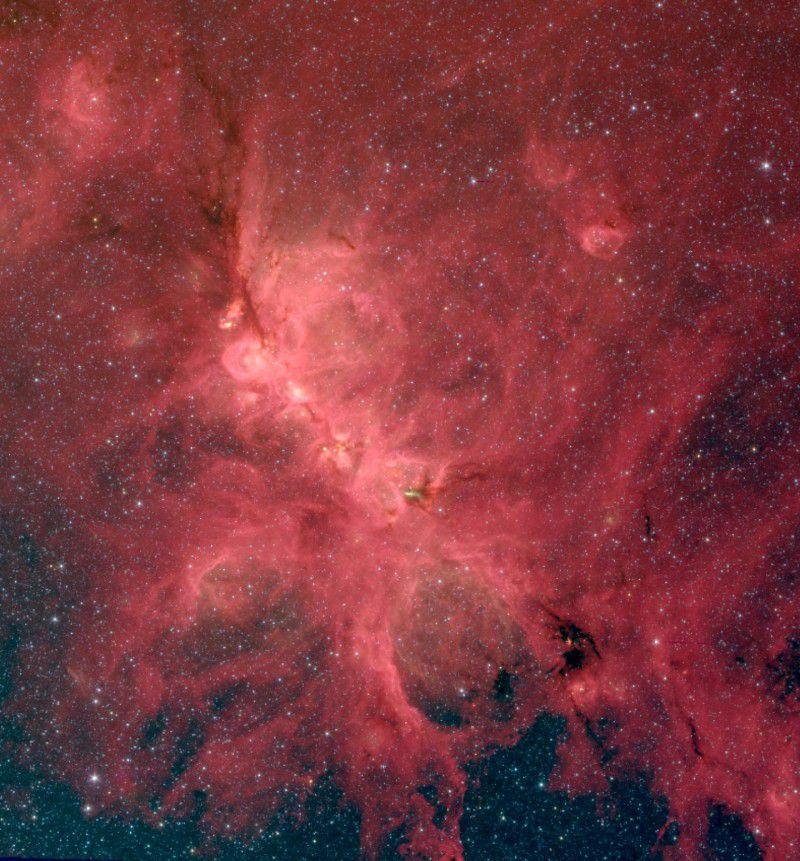 Влияние магнитных полей на звездообразование проявляется на любых масштабах