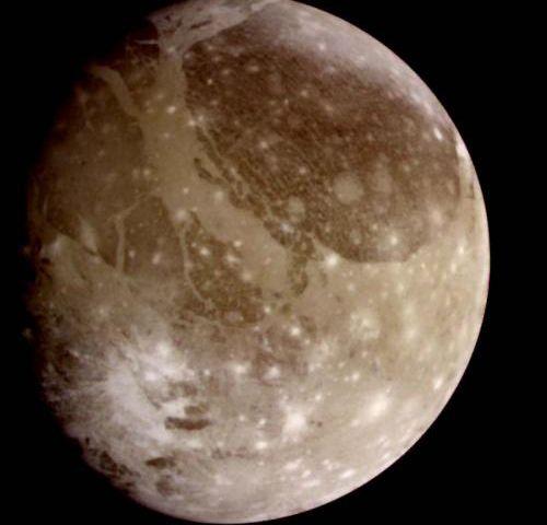 На экваторе спутника Ганимед обнаружена большая выпуклость