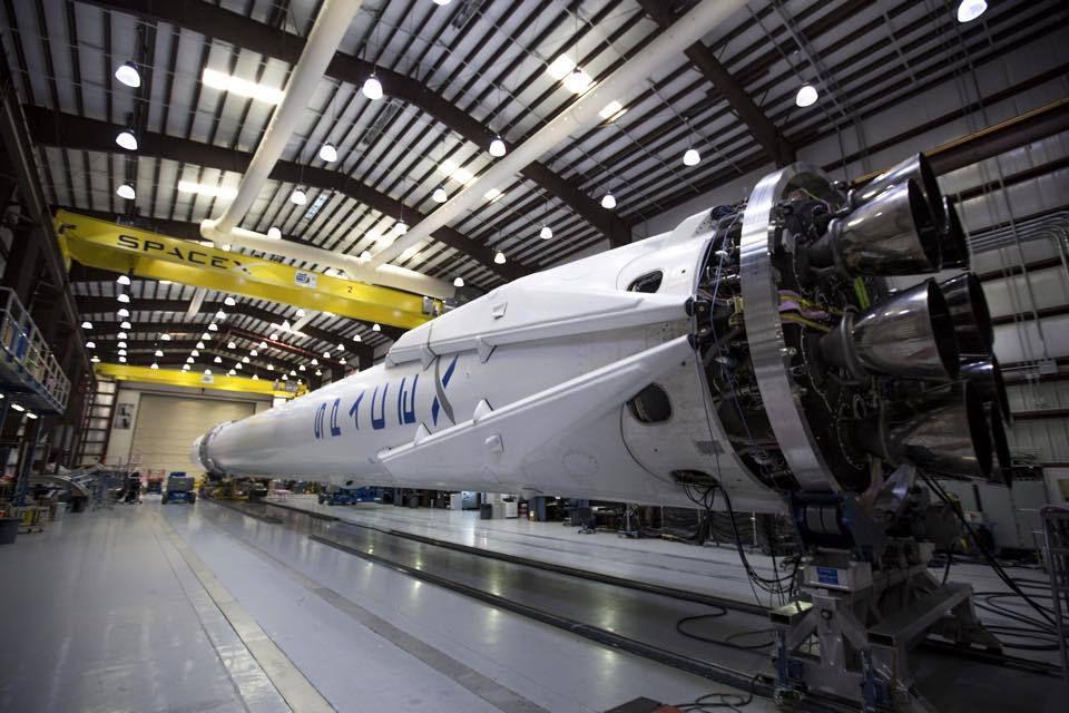 Компания SpaceX переносит запуск миссии по доставке грузов для МКС на 13 апреля