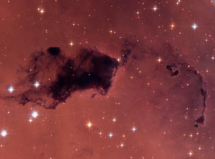 В ранней Вселенной существовали области, богатые водой, выяснили ученые