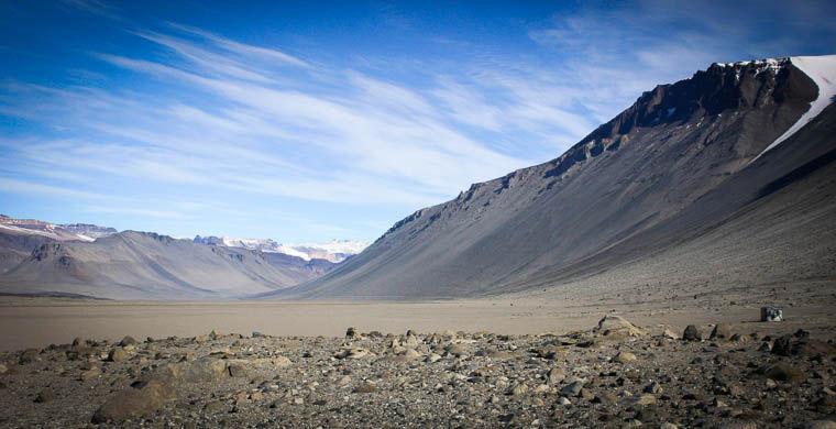 Ученые обнаружили в Антарктиде подземные воды, населенные микроорганизмами