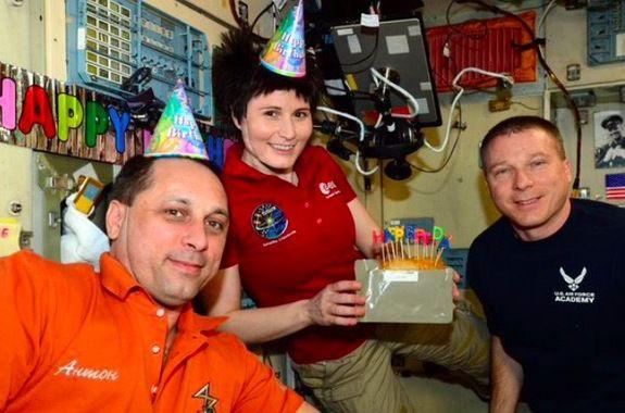 Возвращение экипажа МКС с орбиты откладывается из-за аварии «Прогресса»