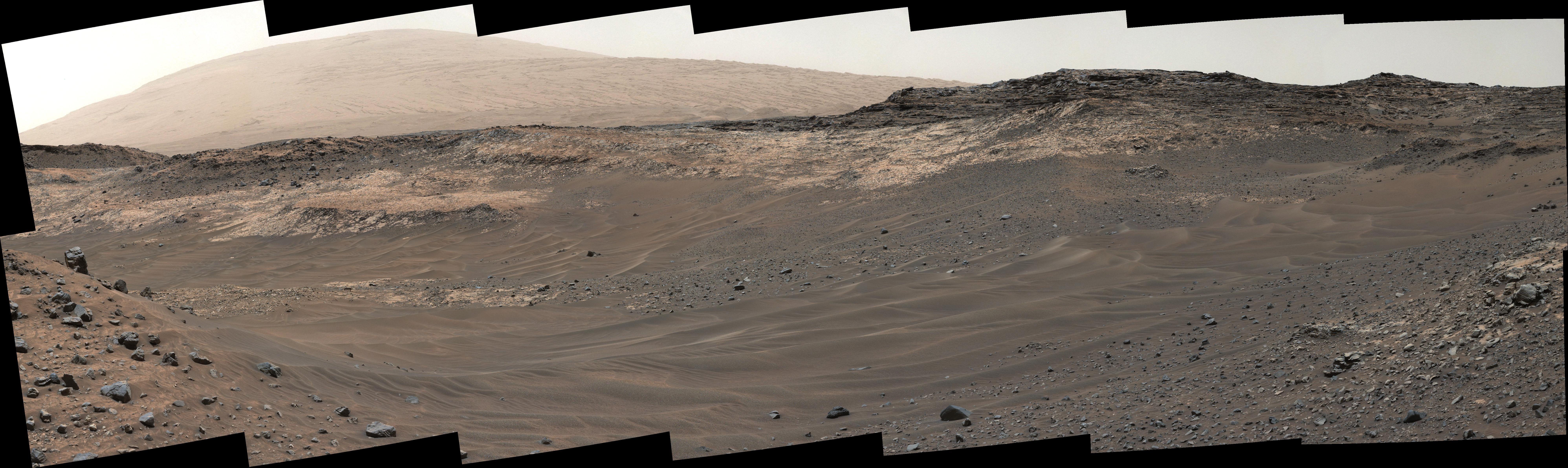 Скользкие марсианские склоны заставили ровер Curiosity отправиться в объезд