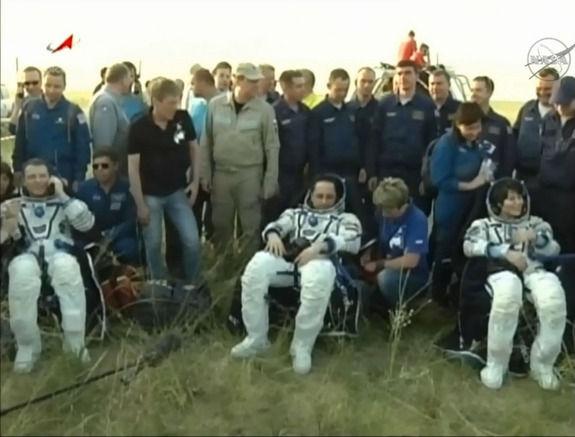 Члены экипажа МКС благополучно вернулись на Землю!