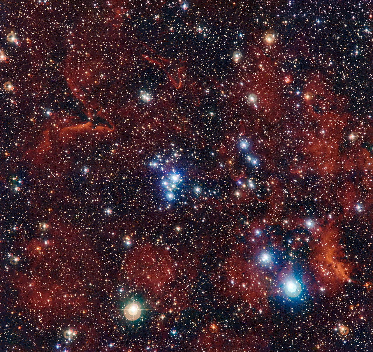 NGC 2367: Туманность, заключенная в чреве гиганта